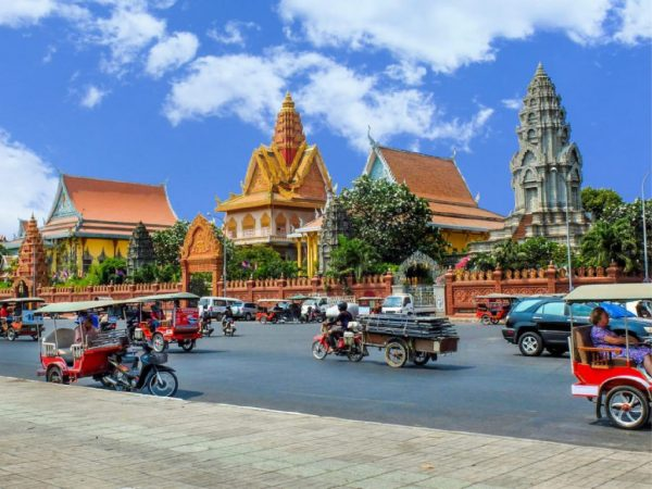 Paket Tour Kamboja